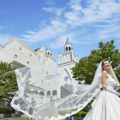 お城のような建物がひときわ目立つ結婚式場。JR彦根駅や彦根インターからも5分以内の好立地。