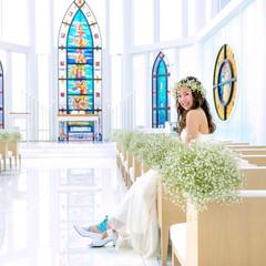 ステンドグラスは、日本でも評価の高いイタリアのステンドグラス作家によるもの