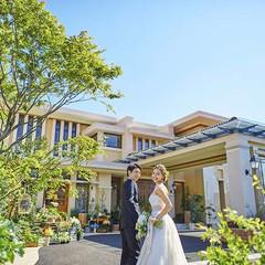 ミエルココンのコンセプトは「緑溢れる癒しの高原リゾートに大切な人たちを招いて過ごす、心温まるひととき」。ぬくもり溢れる一軒家を貸切に出来るのが魅力。