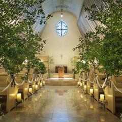 森をイメージした教会装飾 ナチュラルな雰囲気がお好きな方へ