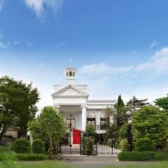 旧山手通り沿いの白亜の教会