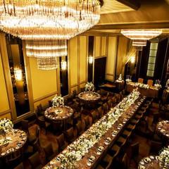 上質を叶える披露宴会場『ROSE』 最大400名収容可能な空間は、大切なゲストをおもてなしする場所として最適。ゲストが『招待される喜び』を感じるホテル。