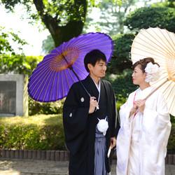 ロケーション 白無垢 番傘 黒紋付袴