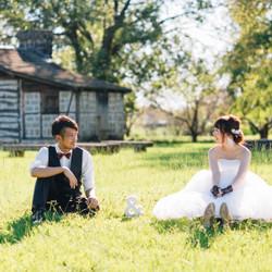 座りショット アンドオブジェ しーちゃんの前撮り ロケーションフォト 熊本 ウェディングドレス