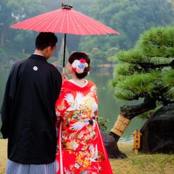 ロケーション 紅葉 庭園 和装 番傘 色打掛 黒紋付袴