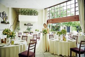 中庭と吹抜けの天井が開放的「ラ テラッツァ」