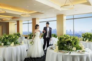 大きな窓から眺める絶景のパーティールーム