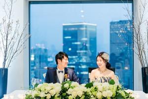 大阪の景色を一望できる贅沢な披露宴会場