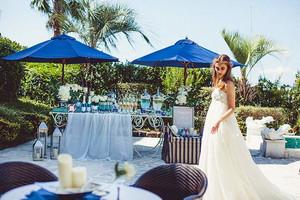 青い海と青い空 ガーデンで過ごすリゾート時間