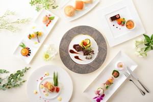 様々なお料理を、お客様のお好みに合わせてご提案