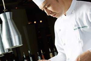 世界大会受賞シェフ達による目にも美しい料理のオンパレード