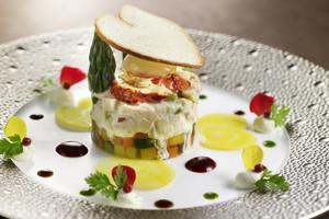 王道フレンチスタイルと和みの和食が融合したオリジナルコース
