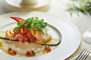 【世界三大高級食材を網羅】La Essence(エッセンス)