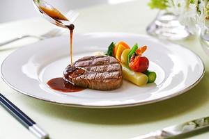 ル・フルール・ド・スリジエ~幸せを祝うアニヴェルセルの料理~