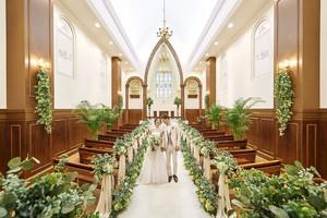 メアリークロス教会 緑と木の温もりの独立型チャペル