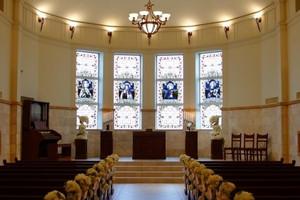白亜の独立型チャペル『聖オリヴィエ教会』