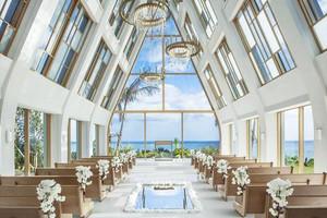 ザ・ギノザリゾート 美らの教会