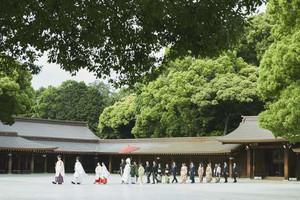 美しい日本の結婚式が叶う「明治神宮 参進」