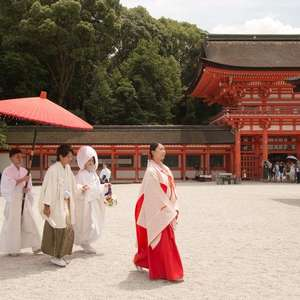 【京都の有名神社で本格神前式】神社式(外式)+披露宴プラン