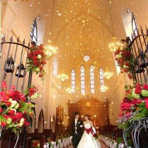 たくさんの笑顔に囲まれ盛大な結婚式を【100名 320万円】
