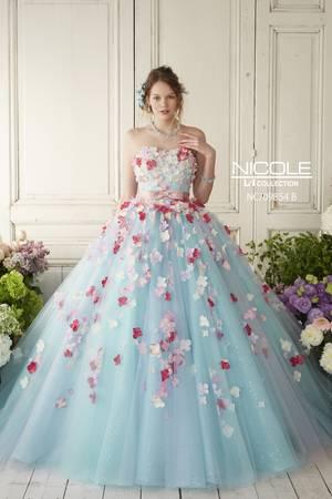 499a3abf57b64 青・ブルー系のカラードレス byみんなのウェディング