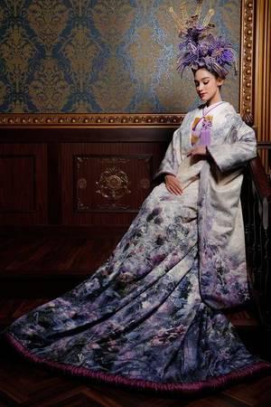 accbbc92d8672 紫・パープル系のカラードレス byみんなのウェディング(8ページ目)