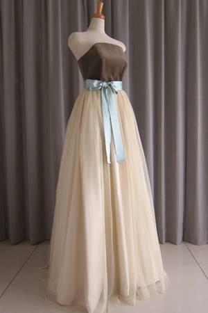 7枚目 Gray cotton velveteen top&gold tulle lace dress