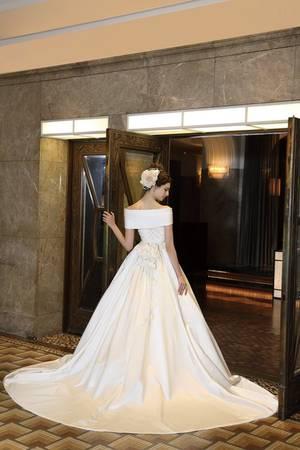 5枚目 銀座三越オリジナルドレス