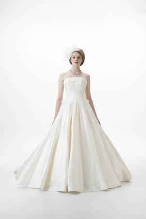 3枚目 ウエディングドレス