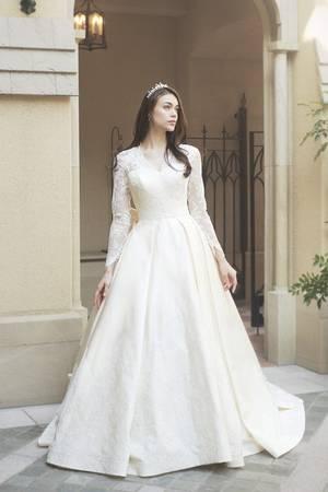 37枚目 世界の王妃を彷彿させる銀座三越オリジナルドレス【ロイヤルプリンセスシリーズ】