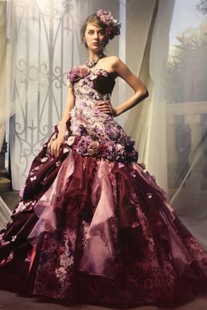 24枚目 インポートブランドのカラードレス