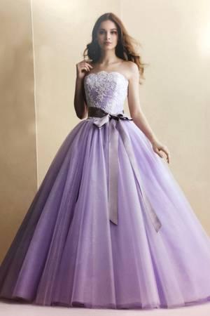 第7位 インポートブランドのカラードレス
