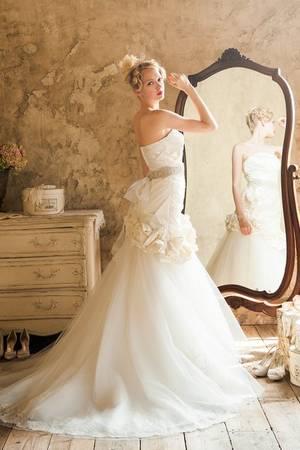 28枚目 WEDDING DRESS 015