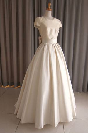1枚目 Silk taffeta cap sleeve princess line dress