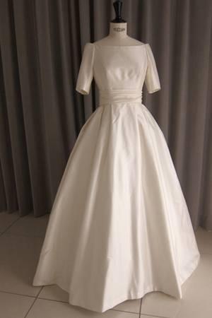 8枚目 Silk taffeta off shoulder princess line dress
