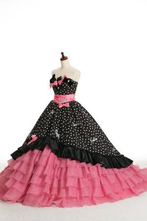 7ae1f2b0a89a4 ブラック系のカラードレス byみんなのウェディング