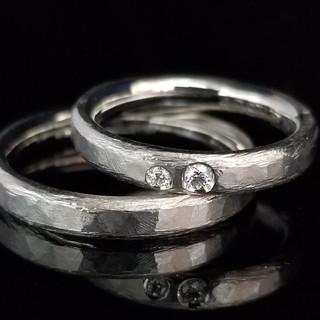 0007 / S9425 寄り添う2石のダイヤはお二人をイメージしました