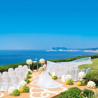 江ノ島、富士山をのぞみ、青い空と海に包まれたウエディングを叶えて。
