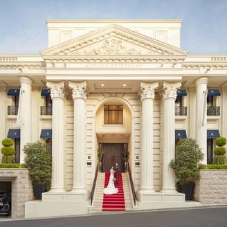 【駅徒歩5分】南青山のプール付貸切邸宅。130名着席の広々会場で優雅なウエディングを