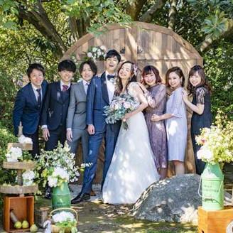 森の中での結婚式♪ゲストと自然に笑顔が溢れる空間に