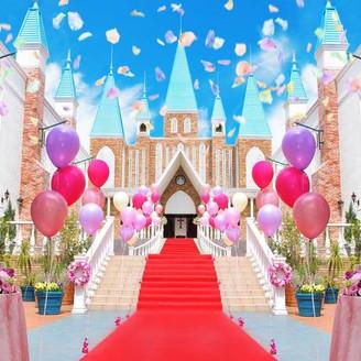 関東最大級の大聖堂で叶える本格ウエディング 門をくぐると圧巻のお城がお2人とゲストをお迎えします♪