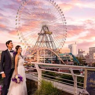 横浜港を一望する開放的なウエディングスペースで憧れのホテルウエディング。大切な人たちのたくさんの笑顔に囲まれたウエディングを一緒に創り上げましょう。