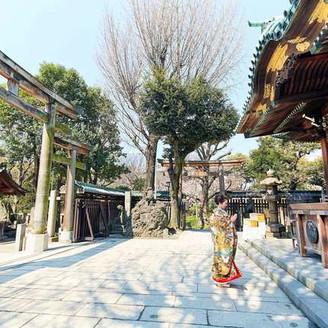 隅田公園の中にある「牛嶋神社」。深い緑に囲まれて温かい挙式が叶います。