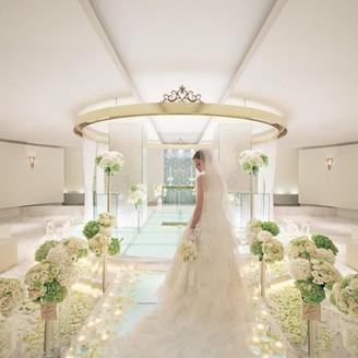 純白のチャペル・・・大切なゲストに囲まれて、人生最大の祝福と感動がお二人を包む