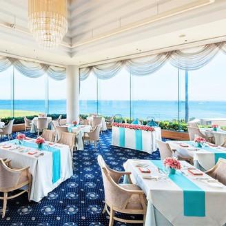 ホテルのメインダイニングである「レストラン ル・ボ・リバージュ」はパーティ会場として使用することも可能。