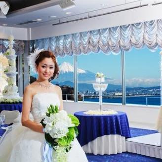 最高に美しい花嫁♪ 最高に美しい景色♪ この二つのコントラストは芸術です!