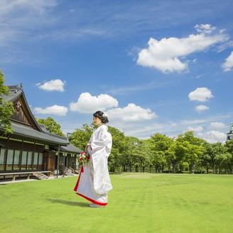 大阪城を望む歴史ある迎賓館で格別なお披露目ウエディング