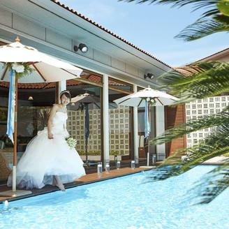きらめく水と緑あふれるオープンエアなプロムナードもリゾート感いっぱい!
