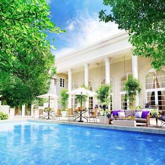 閑静な『白壁』に佇むプール付一軒家を貸し切りに