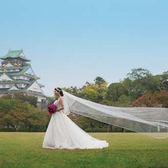 大阪城を借景に映画のようなワンシーンを